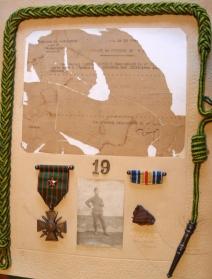 Citation, décorations et éclat d'obus de sa blessure